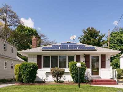 Hempstead Single Family Home For Sale: 85 W Marshall St