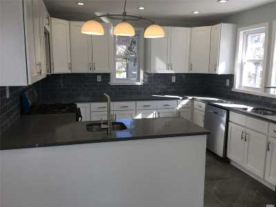 Woodmere Single Family Home For Sale: 957 West Broadway