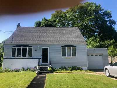 Central Islip Single Family Home For Sale: 40 Storey Ave
