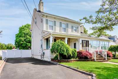 Single Family Home For Sale: 160 Bedford Ave