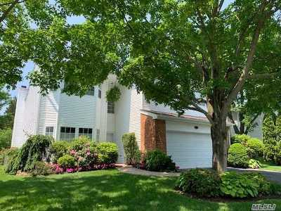 Commack Condo/Townhouse For Sale: 94 Hamlet Dr