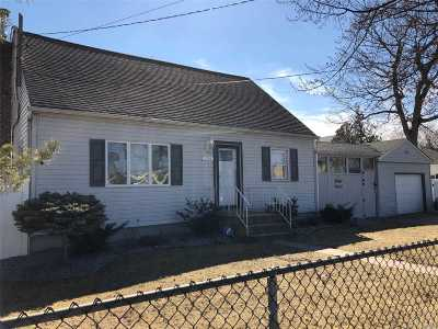 Deer Park Single Family Home For Sale: 234 Central Ave