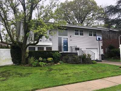 Cedarhurst Single Family Home For Sale: 333 Argyle Rd