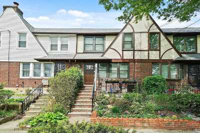 Forest Hills Single Family Home For Sale: 671-01 Exeter St