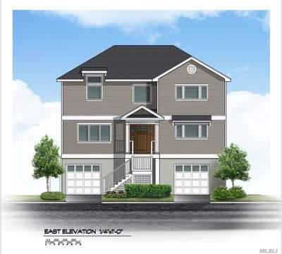 Freeport Single Family Home For Sale: 180 Sportsmans Ave