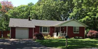 Manorville Single Family Home For Sale: 50 Silas Carter Rd