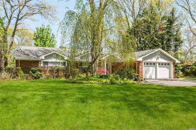 Huntington Single Family Home For Sale: 22 Timberline Dr