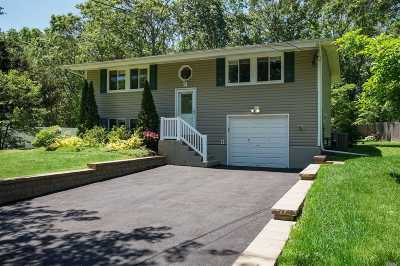E. Setauket Single Family Home For Sale: 22 Campsite Ln