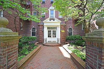 Jackson Heights Condo/Townhouse For Sale: 34-44 82nd St #6B