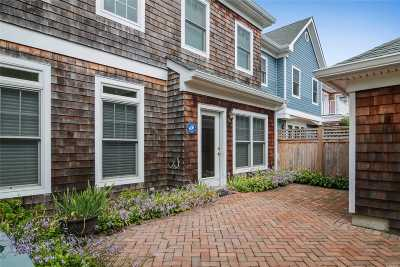 Southampton Condo/Townhouse For Sale: 44 Andrew Ct #44