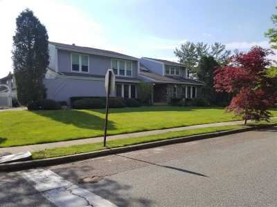 Northport Single Family Home For Sale: 20 Whispering Field Dr