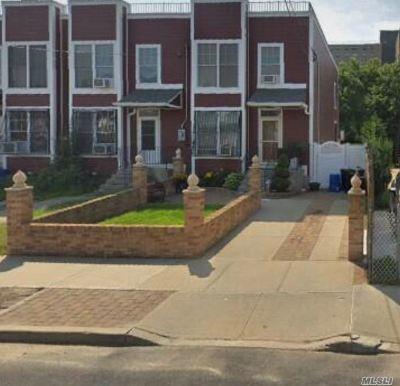 Far Rockaway Single Family Home For Sale: 415 Beach 37th St