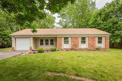 Ridge Single Family Home For Sale: 105 Raynor Rd