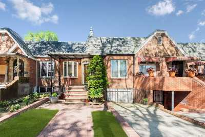 Brooklyn Single Family Home For Sale: 1094 E 52nd St