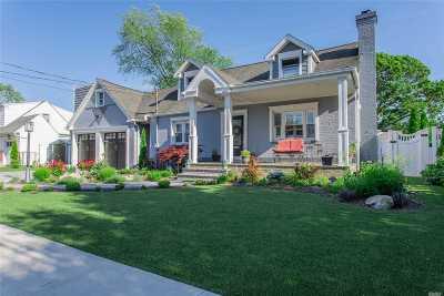 Massapequa Single Family Home For Sale: 44 New Hampshire Ave