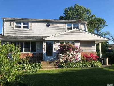 Syosset Single Family Home For Sale: 15 Florence Dr