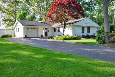 Stony Brook Single Family Home For Sale: 3 Buxmont Ln