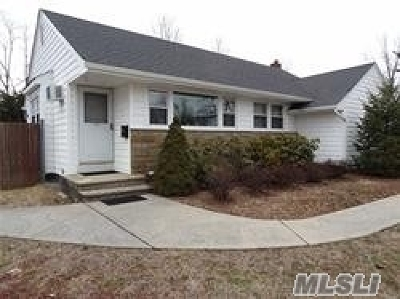 Wantagh Single Family Home For Sale: 3403 Hawthorne Dr