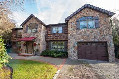 Dix Hills Single Family Home For Sale: 38 Stonehurst Ln