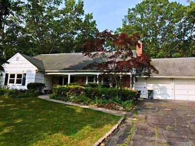 Stony Brook Single Family Home For Sale: 8 Bently Ln