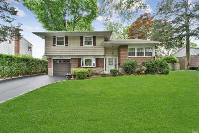 Commack Single Family Home For Sale: 7 Rensselaer Dr