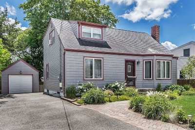 Bethpage Single Family Home For Sale: 76 Ellen St
