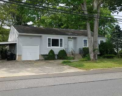 Islip Single Family Home For Sale: 41 46th St