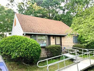 Shirley Single Family Home For Sale: 59 Probst Dr