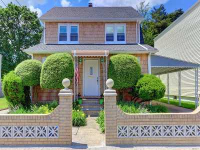 Hempstead Single Family Home For Sale: 25 Green Ave