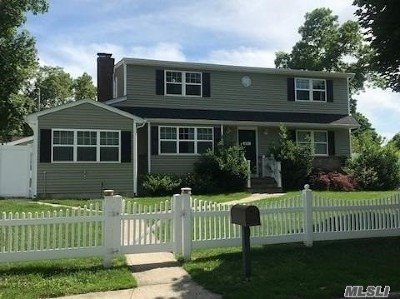 Greenlawn Single Family Home For Sale: 29 Browning Dr