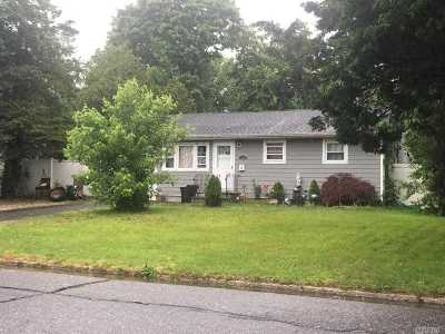 Brentwood Single Family Home For Sale: 1003 Candlewood Rd Rd
