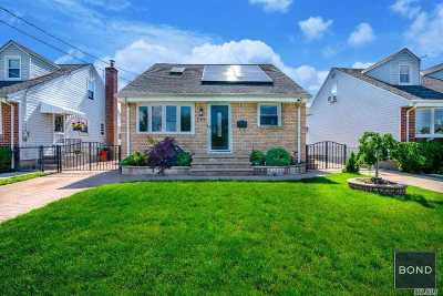 Mineola Single Family Home For Sale: 245 McKinley Pkwy