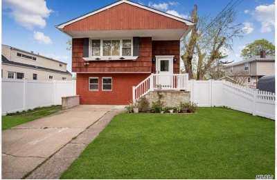 W. Babylon Single Family Home For Sale: 41 Lenox Rd