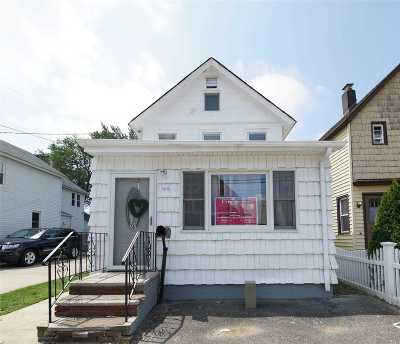 Valley Stream Single Family Home For Sale: 46 E Jamaica Ave