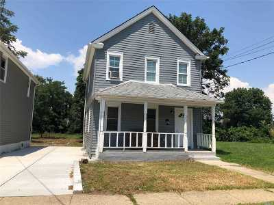 Hempstead Single Family Home For Sale: 33 Linden Ave