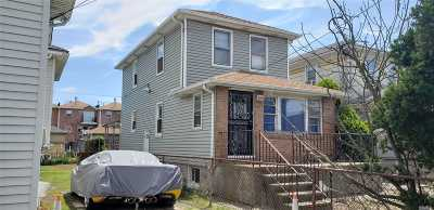 Far Rockaway Single Family Home For Sale: 212 Beach 27th St