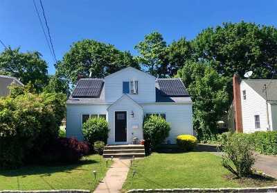 Huntington Sta Single Family Home For Sale: 107 E 9th St