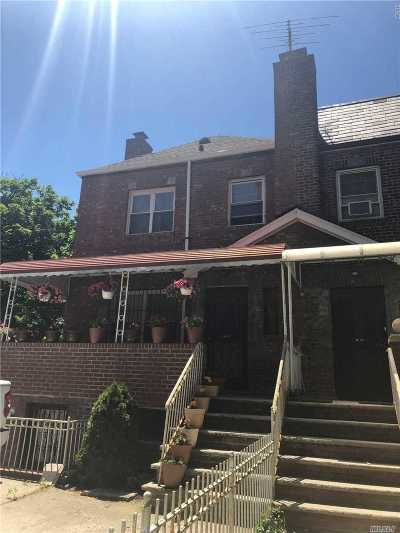 Jackson Heights Single Family Home For Sale: 3358 76th St
