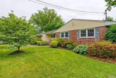 Patchogue Single Family Home For Sale: 329 Phyllis Dr