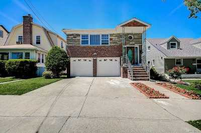 Bayside Single Family Home For Sale: 38-16 Clearview Expy