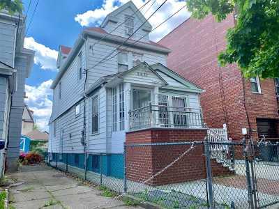 Elmhurst Single Family Home For Sale: 94-22 53 Ave