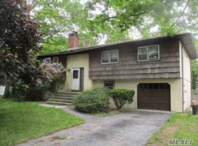 Hampton Bays Single Family Home For Sale: 63 Palo Alto Dr