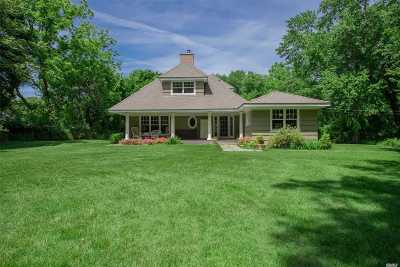 Northport Single Family Home For Sale: 1 Breeze Hill Rd