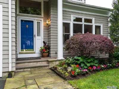 Oyster Bay Single Family Home For Sale: 29 Fieldstone Ln