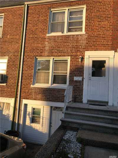 Floral Park Single Family Home For Sale: 8627 256th St