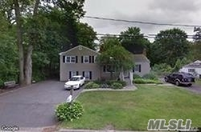 Smithtown Single Family Home For Sale: 99 Sunrise Ln