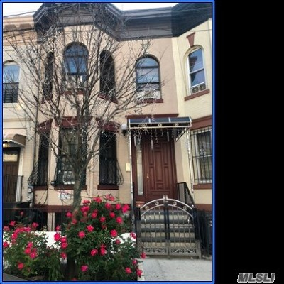 Brooklyn Multi Family Home For Sale: 306 Ashford St