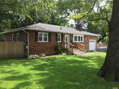Huntington Sta Single Family Home For Sale: 44 8th Ave