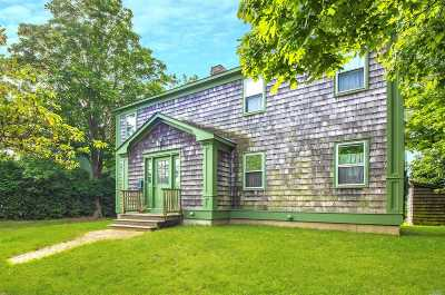 Greenport Single Family Home For Sale: 325 Wiggins St