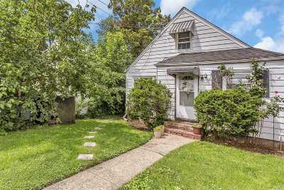 W. Hempstead Single Family Home For Sale: 12 Spruce St